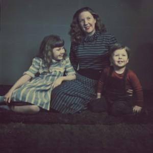 Isabella Gardner with her daughter, Rose Van Kirk, and son, Daniel Seymour
