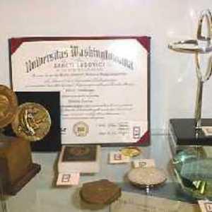 Viktor Hamburger medals